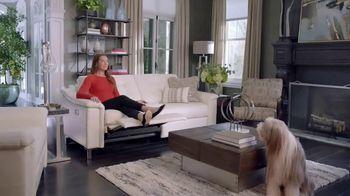 La-Z-Boy Duo TV Spot, 'Surprise' Featuring Brooke Shields - Thumbnail 6