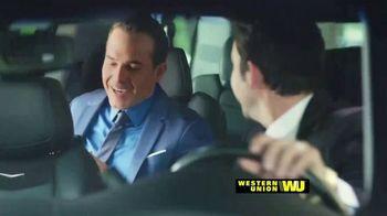 Western Union App TV Spot, 'Envía dinero' con Carlos Calderon [Spanish] - Thumbnail 1