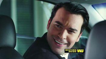 Western Union App TV Spot, 'Envía dinero' con Carlos Calderon [Spanish] - Thumbnail 2