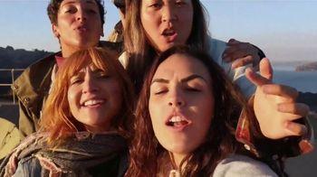 Google Pixel 3 TV Spot, 'Group Selfie Cam' Song by Aerosmith - Thumbnail 2