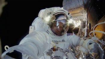 Google Pixel 3 TV Spot, 'Group Selfie Cam' Song by Aerosmith - Thumbnail 8