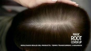 L'Oreal Paris Magic Root Cover Up TV Spot, 'La familia Roots' [Spanish] - Thumbnail 6
