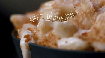 Marie Callender's Creamy Vermont Mac & Cheese Bowl TV Spot, 'Dancing While Eating' - Thumbnail 5