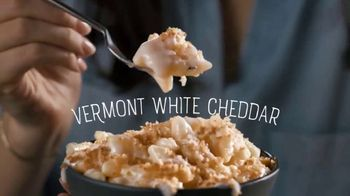 Marie Callender's Creamy Vermont Mac & Cheese Bowl TV Spot, 'Dancing While Eating' - Thumbnail 8