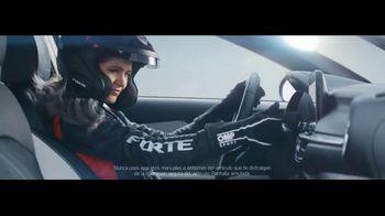 2019 Kia Forte TV Spot, 'Crea tu camino: Forte vs. Forte' con Collete Davis [Spanish] [T2] - Thumbnail 5