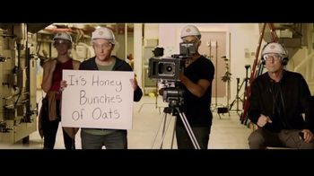 Honey Bunches of Oats With Almonds  TV Spot, 'Spoon, Bowl, Action' - Thumbnail 7