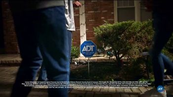 ADT Smart Security TV Spot, 'Home Safety During Halloween: $100 Off Installation' - Thumbnail 4