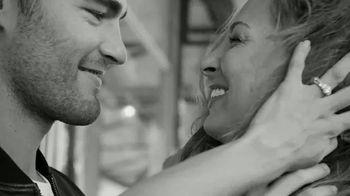 Zales Vera Wang LOVE Collection TV Spot, 'Love Is Us' Featuring Vera Wang - Thumbnail 8