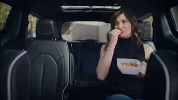Chrysler Pacifica S TV Spot, 'Soccer Practice: How We Do It' Featuring Kathryn Hahn, Song by Montell Jordan [T1]