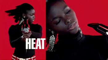 L'Oreal Paris Infallible Pro-Matte Foundation TV Spot, 'Hot Topic' - Thumbnail 7