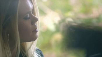 Association of National Advertisers TV Spot, 'See Her Moment at CMT Artist of the Year' - Thumbnail 8