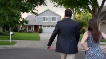 National Association of Realtors TV Spot, 'Cross the Road' - Thumbnail 4