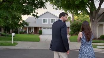 National Association of Realtors TV Spot, 'Cross the Road' - Thumbnail 5