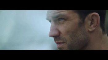 Ralph Lauren Polo Ultra Blue TV Spot, 'Olas' con Luke Rockhold [Spanish]