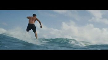 Ralph Lauren Polo Ultra Blue TV Spot, 'Olas' con Luke Rockhold [Spanish] - Thumbnail 6