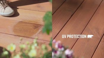 BEHR Premium Stain Memorial Day Savings TV Spot, 'Two Stains, Four Seasons' - Thumbnail 4