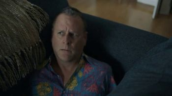 GEICO TV Spot, 'Dave Coulier Rescued From Couch' - Thumbnail 5