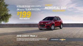 Chevrolet Memorial Day Sales Event TV Spot, 'New Couple' [T2] - Thumbnail 8