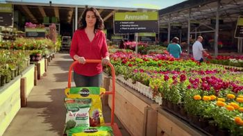 The Home Depot Memorial Day Savings TV Spot, 'Empieza el verano' [Spanish] - Thumbnail 1