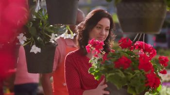 The Home Depot Memorial Day Savings TV Spot, 'Empieza el verano' [Spanish] - Thumbnail 7