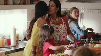 Scott ComfortPlus TV Spot, 'Keep Life Rolling' Song by Ruben Nez - Thumbnail 5