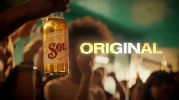 Cerveza Sol TV Spot, 'A Brilliant Mexican Lager' Song by Amandititita - Thumbnail 5