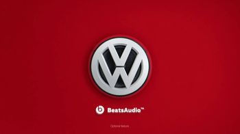 2019 Volkswagen Jetta TV Spot, 'Woofer' Song by YUNGBLUD [T1] - Thumbnail 2