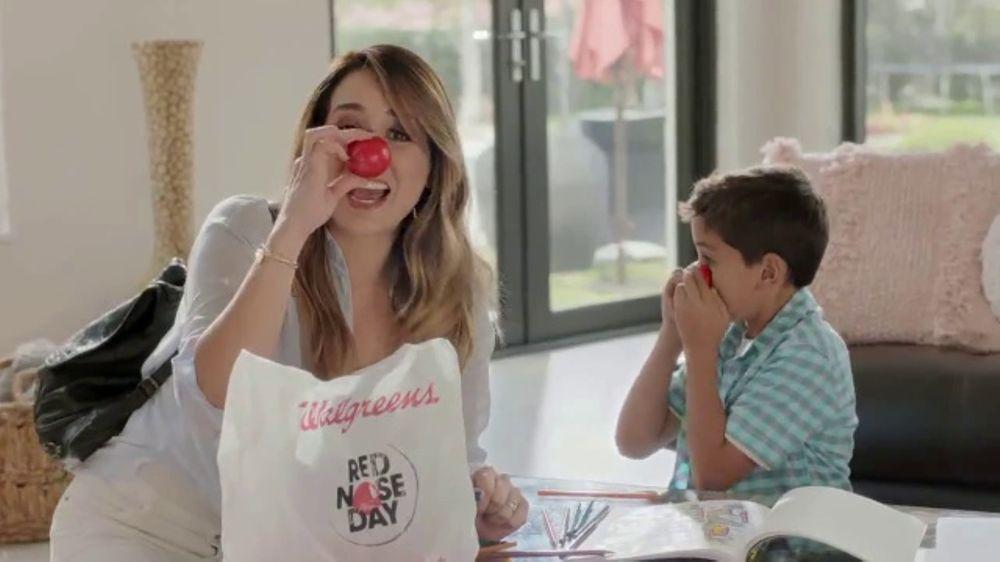Walgreens Red Nose Day TV Commercial, 'Sorpresa'