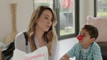 Walgreens Red Nose Day TV Spot, 'Sorpresa' [Spanish] - Thumbnail 9