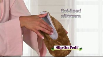 Slip On Pedi TV Spot, 'Moisturize Feet With Every Step'