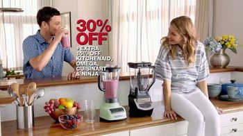 Macy's Memorial Day Sale TV Spot, 'Home Specials' Song by Brenton Wood - Thumbnail 10
