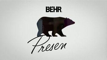 BEHR PREMIUM PLUS Paint Memorial Day Savings TV Spot, 'Overachiever' - Thumbnail 1