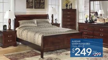 Ashley HomeStore Memorial Day Event TV Spot, 'Sofas and Sleigh Beds' - Thumbnail 8