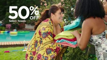 JCPenney TV Spot, 'Summer Savings for the Family'  Song by Redbone - Thumbnail 5