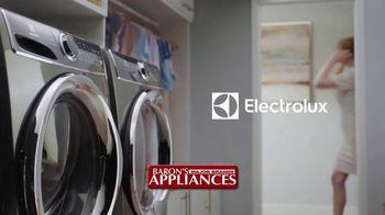 Electrolux TV Spot, 'Chef's Dress: $100 Back' - Thumbnail 1