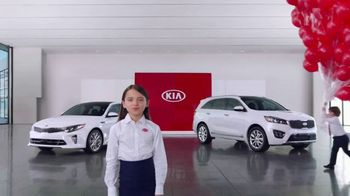 Kia America's Best Value 4th of July Event TV Spot, 'Balloons: Who Needs Them?' [T1] - Thumbnail 2
