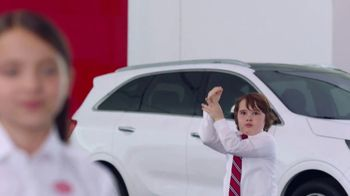 Kia America's Best Value 4th of July Event TV Spot, 'Balloons: Who Needs Them?' [T1] - Thumbnail 4