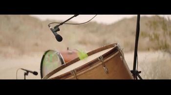 Tennis Warehouse TV Spot, 'Make Music' Featuring Roger Federer - Thumbnail 5