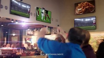 Hooters TV Spot, 'Buddies Cup' [Spanish] - Thumbnail 2