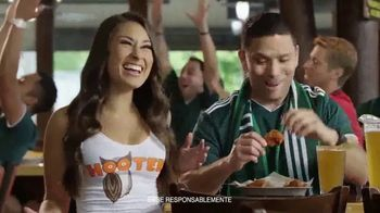 Hooters TV Spot, 'Buddies Cup' [Spanish] - Thumbnail 8