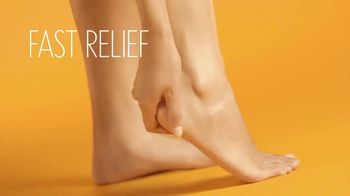 Aveeno Cracked Skin Relief CICA Ointment TV Spot, 'What to Wear' - Thumbnail 7