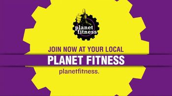 Planet Fitness First Month Free Sale TV Spot, 'Black Card' - Thumbnail 9