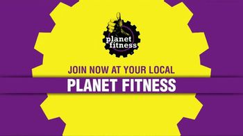 Planet Fitness First Month Free Sale TV Spot, 'Black Card' - Thumbnail 8