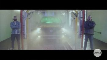 Truck Hero TV Spot, 'At the Car Wash: Powerfully Protective Truck Bed Covers' - Thumbnail 5