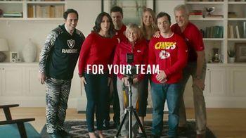 NFL Shop TV Spot, 'Awkward Family Photo' - Thumbnail 7