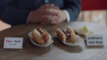 Exxon Mobil Rewards+ TV Spot, 'Hot Dogs' - Thumbnail 4