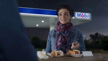 Exxon Mobil Rewards+ TV Spot, 'Hot Dogs' - Thumbnail 5