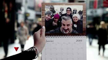 Vistaprint Holiday Cards & Wall Calendars TV Spot, 'Holiday Cheer: Photo Gifts' - Thumbnail 7