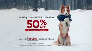 Vistaprint Holiday Cards & Wall Calendars TV Spot, 'Holiday Cheer: Photo Gifts' - Thumbnail 9