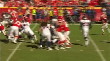 GEICO TV Spot, 'CBS Sports: Play of the Day: KC Chiefs' - Thumbnail 4